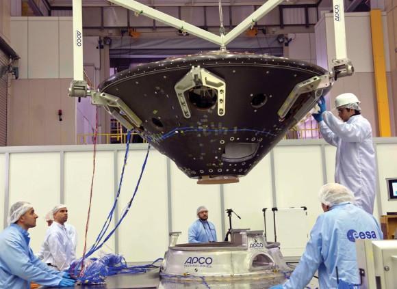 Спускаемый модуль на вибростенде. Фото ESA