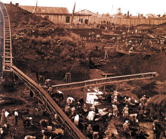Неревский раскоп в Новгороде. Фото 1950-Х годов