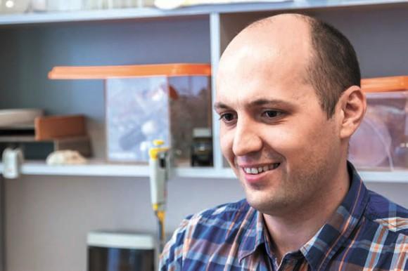 Нариман Баттулин, специалист по геномике стволовых клеток. (фото С. Ковалева)