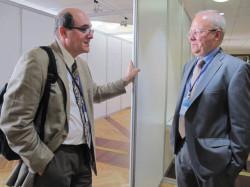 А. Кабанов и А. Хохлов, сопредседатель оргкомитета Конференции, обсуждают итоги форума. Фото Н. Деминой