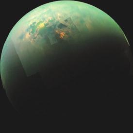 4. Моря и облака на Титане. Это фото уникально тем, что мы на нем видим и облака над внеземным морем (оно носит имя моря Кракена), и отраженный от жидкой углеводородной поверхности спутника солнечный зайчик.