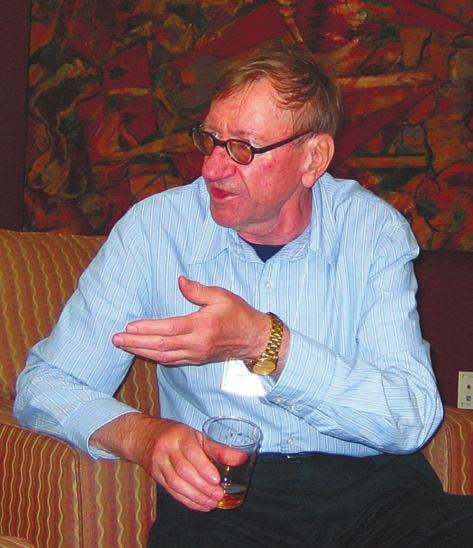 Во время конференции по биомолекулярной стереодинамике в Олбани (штат Нью-Йорк) в июне 2007 года. Это последняя из конференций в Олбани, в которой Хром смог принять участие. Впервые на конференциях в Олбани (которые продолжают проводиться по нечетным годам и сейчас) Хром побывал в 1983 году