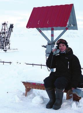 Александр Мананников, любитель астрономии из подмосковного Раменского,  охотник за затмениями (пять успешных наблюдений  полных солнечных затмений в 2006, 2008, 2009, 2012  и 2015 годах), выпускник астрономического отделения  физического факультета МГУ, инженер ФГУП ЦАГИ