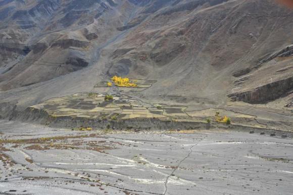 Сельские поля. Долина Пин. 7 октября 2011 года. Фото А. Андреева