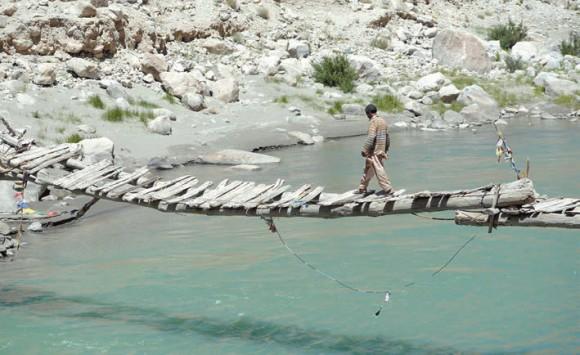 Ущелье в верхнем течении реки Инд.  18 июня 2015 года