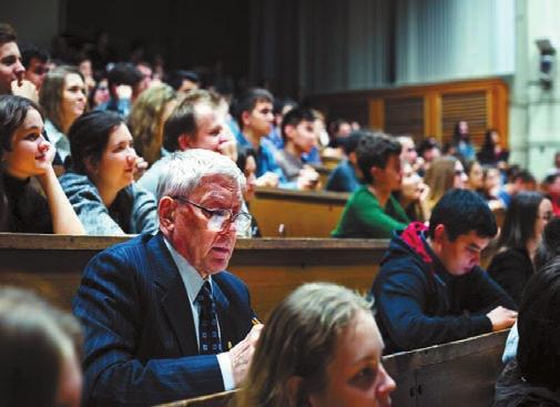 Председателю жюри профессору Евгению Пальчикову не до смеха, его ждет сложный выбор