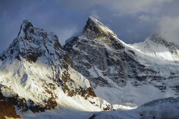 Ледники на вершинах семитысячников Нун и Кун. 3 июля