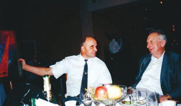 В. В. Аполлонов и А. М. Прохоров (фото из архива автора)