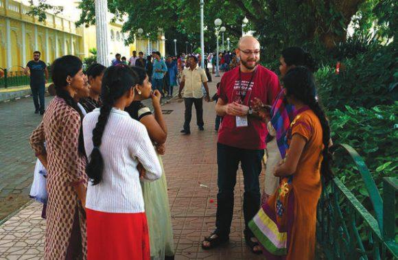 Александр Пиперски неизменно спрашивал у жителей Индии, каков их родной язык. Фото К. Гиляровой
