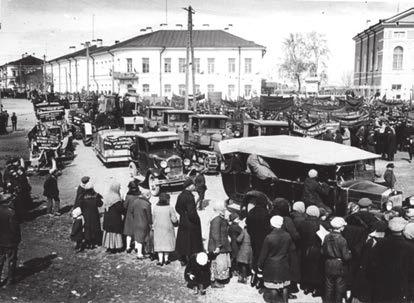 Соборная площадь в Петрозаводске в 1932 году. Фото из фондов Национального музея Карелии (http://old.rk.karelia.ru)