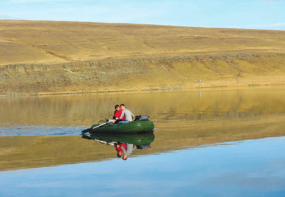 На озере Шунет за пробами. Фото из архива Е. Задереева