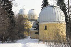 """Павильоны обсерватории. Фото """"Википедии"""""""