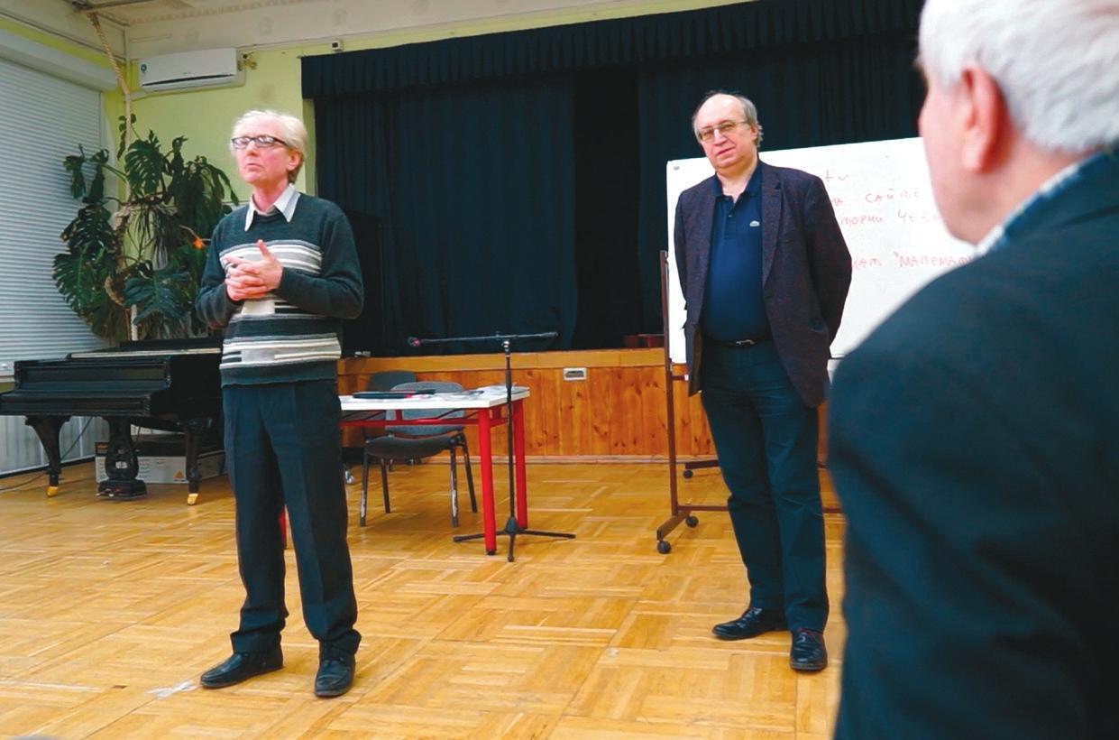 На фото (слева направо): А. Денисенко, Н. Вавилов и Н. Константинов