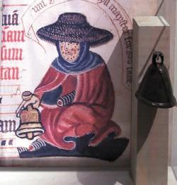 Средневековый прокаженный с колокольчиком («Википедия»)