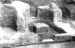 Остатки апсиды южного придела. Раскопки И.И. Боронина и П.А. Раппопорта