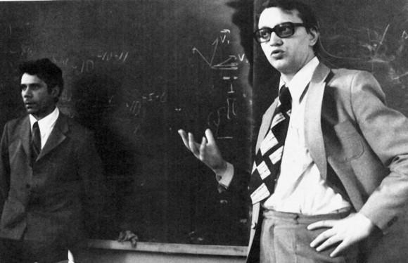 Вениамин Чеботаев и Владилен Летохов на семинаре в МГУ вскоре после вручения им Ленинской премии (1978 год). Из семейного архива