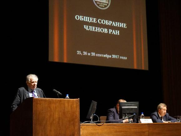 Лауреат Нобелевской премии Жорес Алферов выступил в поддержку Г. Красникова