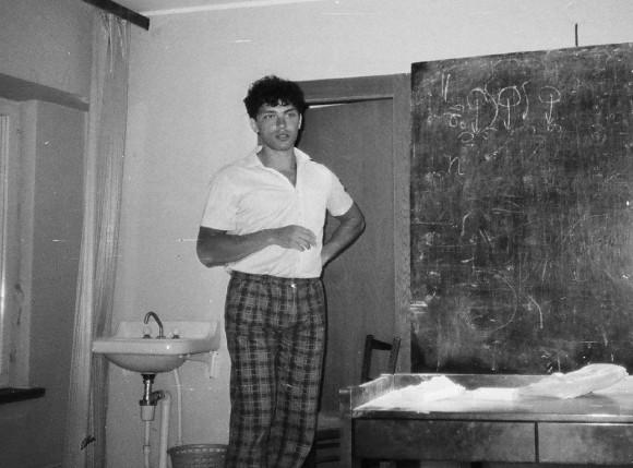 Сочи-3 (1986). У доски Немцов, спокойный и самоуверенный. Ну, и какие хотел штаны, такие и надел.