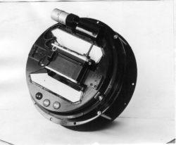 Внутренняя часть камеры внезатменного коронографа, установленного на иллюминаторе космического корабля «Союз». По идее Д.Е. Щеголева, разработка— КБ ГАО (1969)