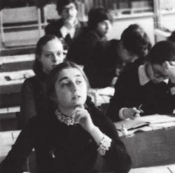 Будущий лингвист Ирина Левонтина. 1977 год