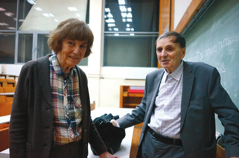 А. А. Зализняк с женой Е. В. Падучевой, 2015 год
