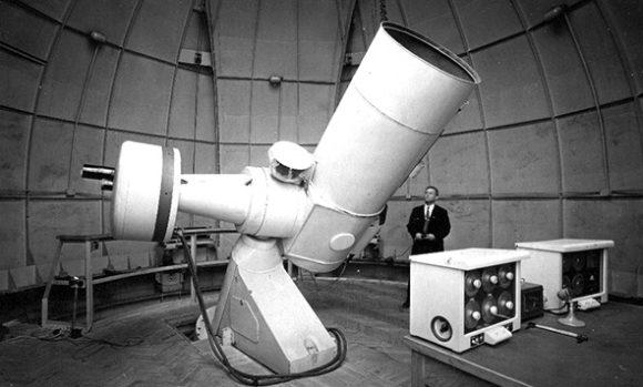 Телескоп РМ-700 в куполе. Авторы проекта— Б. К. Иоаннисиани, Ю. С. Стрелецкий (1959)