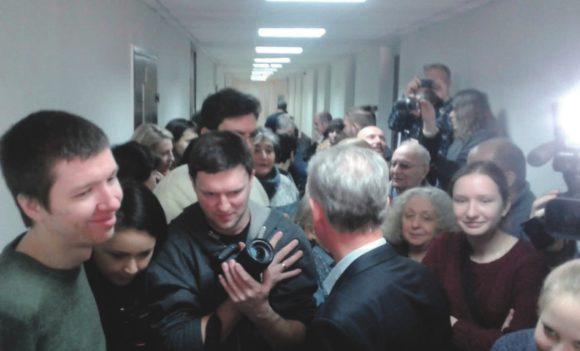 В суде (фото из группы «Дело Дмитриева» в «Фейсбуке»)