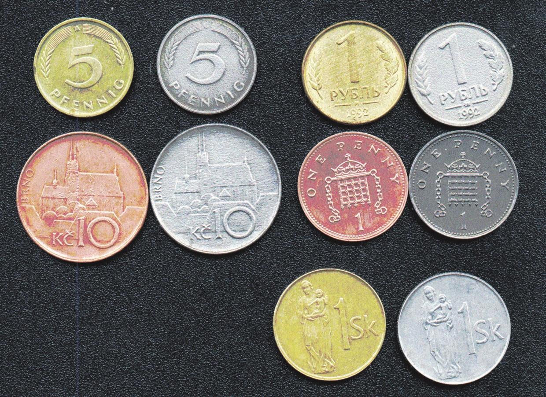 Рис. 2. Некоторые европейские монеты до и после растворения защитного покрытия. Слева направо и сверху вниз: 5 пфеннигов, ФРГ (1991); 1 руб. (1992); 10 крон, Чехия (1993); 1 пенни, Великобритания (1994); 1 крона, Словакия (1996)