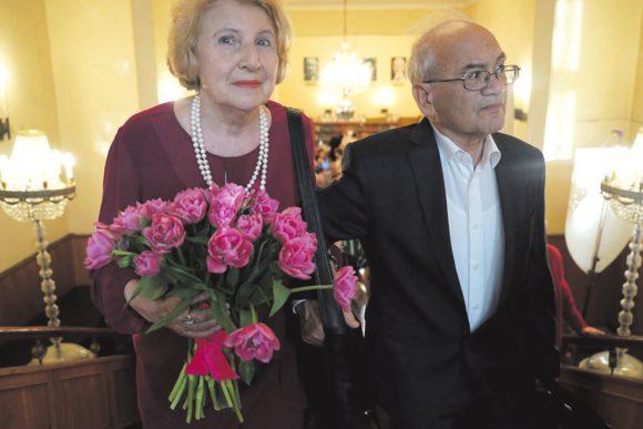 А. Кушнер и его жена. Фото Н. Деминой