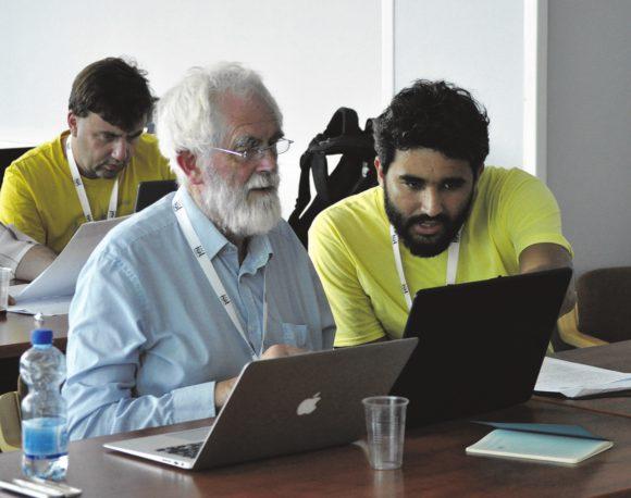 Жюри за работой. Хью Доббс (Ирландия) и Бруно Л'Асторина (Бразилия), на заднем плане Станислав Гуревич (Россия)