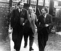 Поль Дирак, Вольфганг Паули и Рудольф Пайерлс. Бирмингемский университет, 1953 год