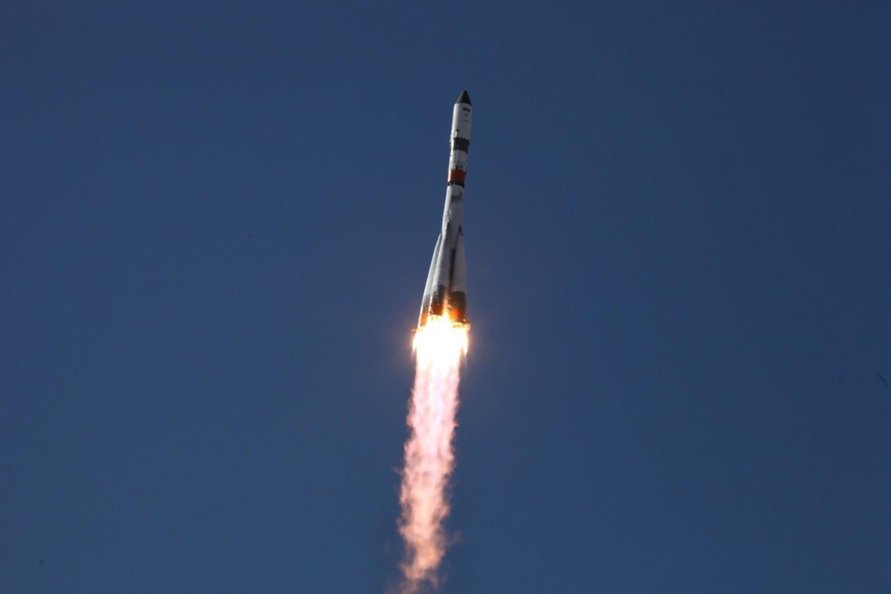 Старт ракеты-носителя «Союз 2.1а» с космодрома Байконур (Роскосмос)