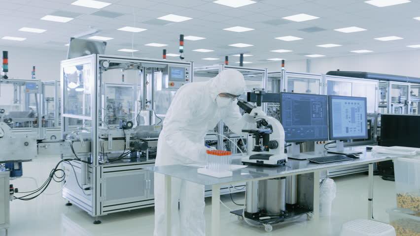 Специалистам по химической археологии приходится работать исключительно в стерильных условиях