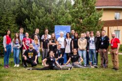 Участники ЛКШ с популяризатором космонавтики Виталием Егоровым и космонавтом-испытателем Дмитрием Петелиным
