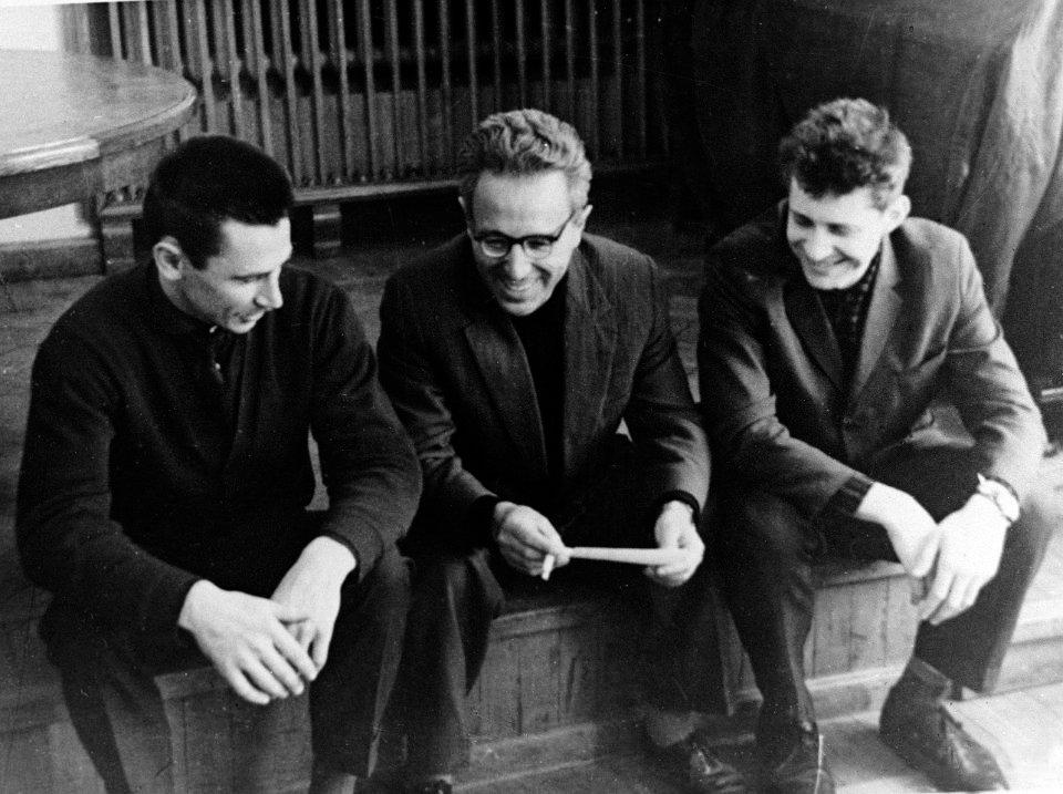 Слева направо: Геннадий Шоломицкий, Иосиф Шкловский, Николай Кардашёв. Фото из архива ГАИШ МГУ