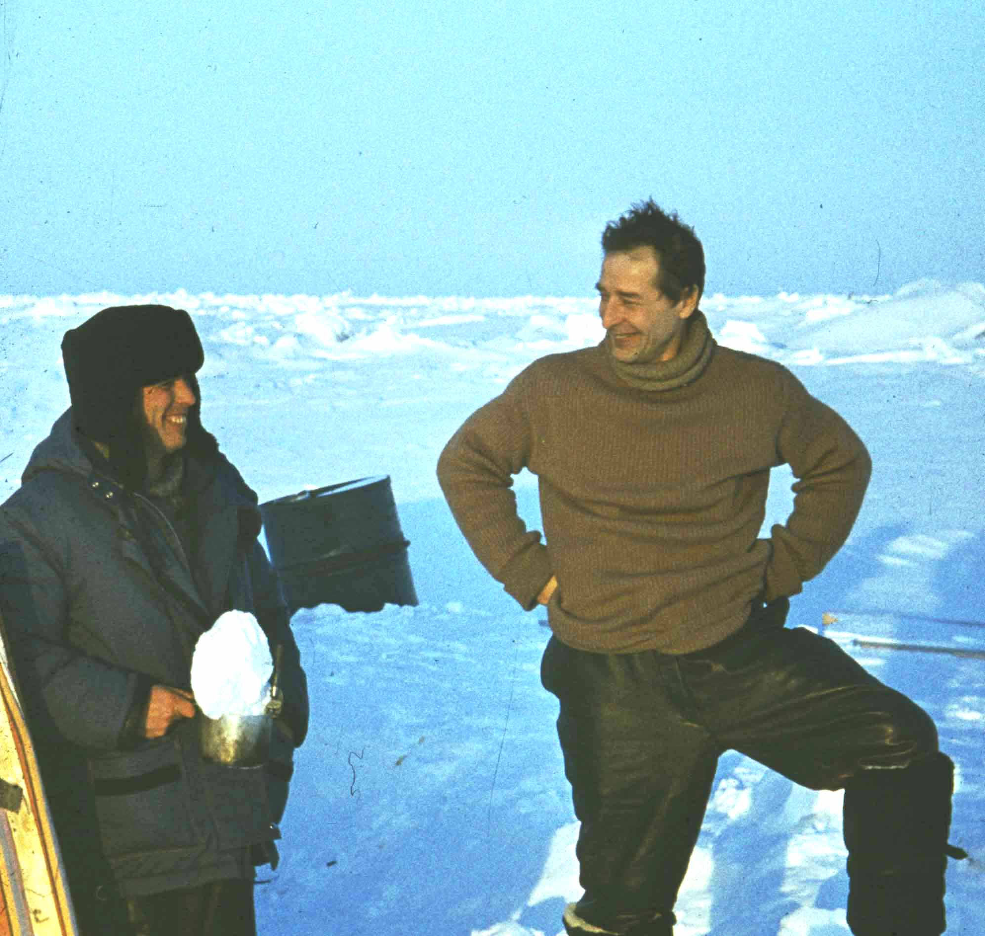 Виктор Бонч-Бруевич и Евгений Александров на Северном полюсе (СП-30), 1989 год