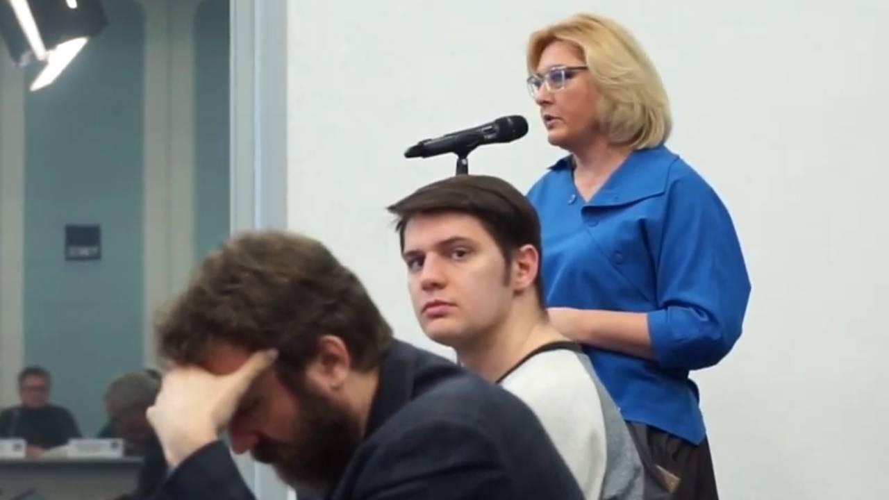 Ольга Орлова задает свой вопрос (youtube.com/watch?v=6FK8IraUD8g)