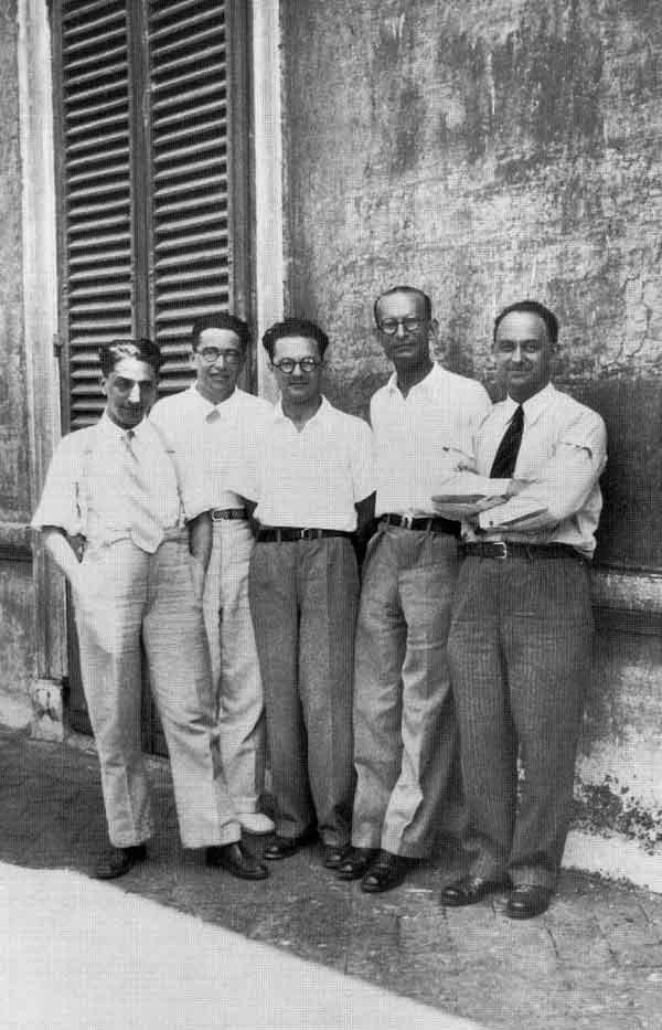 Ребята с улицы Панисперна (итал. Ragazzi di via Panisperna) — группа молодых физиков из Римского университета Ла Сапиенца. Слева направо: Оскар Д'Агостино, Эмилио Сегре, Эдоардо Амальди, Франко Разетти, Энрико Ферми (1930-е годы)