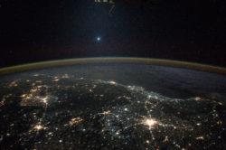Вид на Венеру с МКС. NASA/JAXA