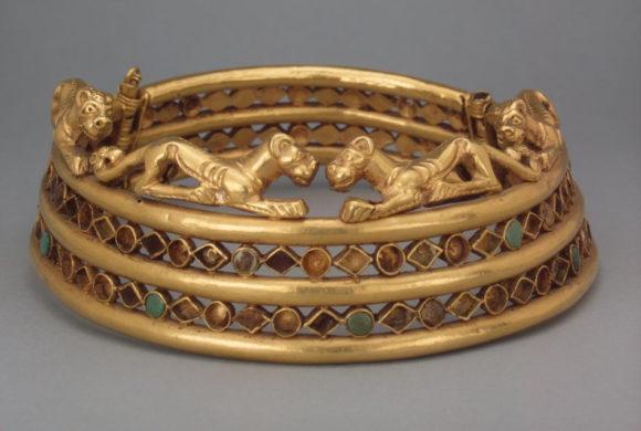 Шейная гривна. II–I века до н. э. Из Сибирской коллекции Петра I