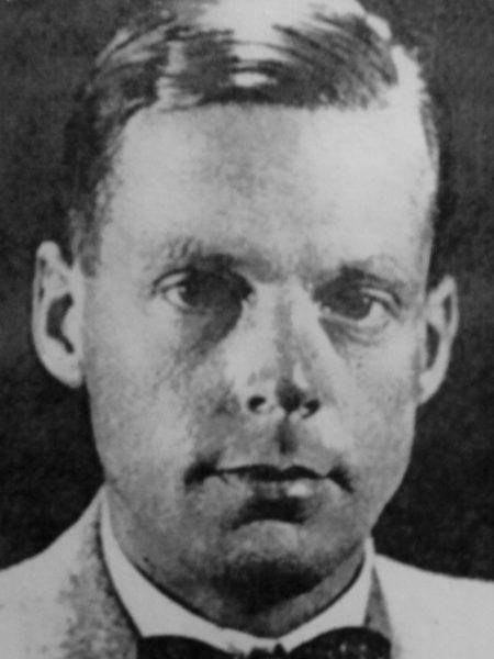 Ян Звартендейк (Jan Zwartendijk). «Википедия»