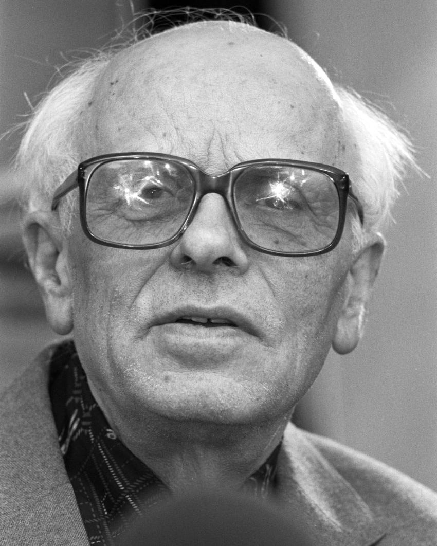 Андрей Сахаров (1989). «Википедия»