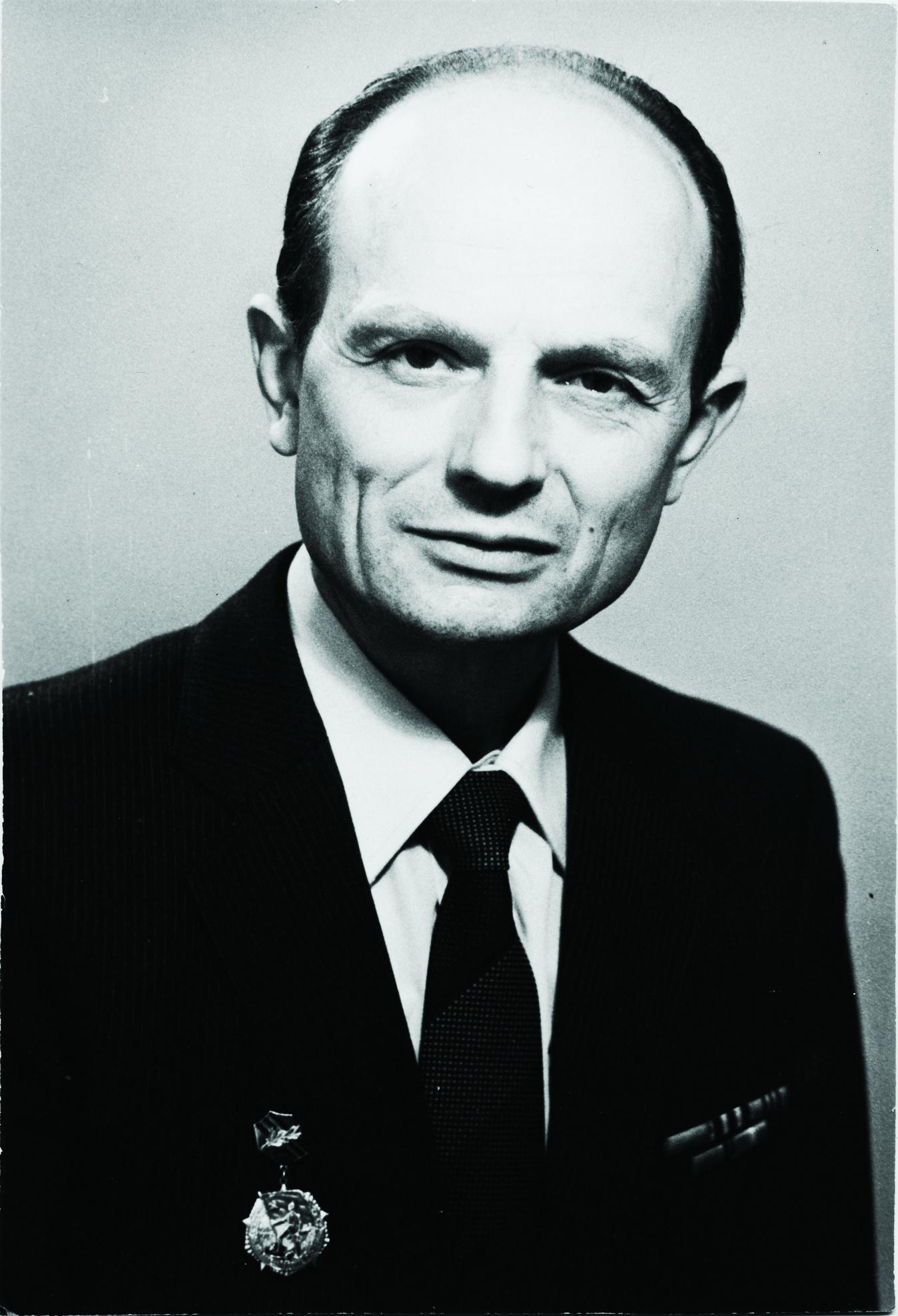 Михаил Черненко