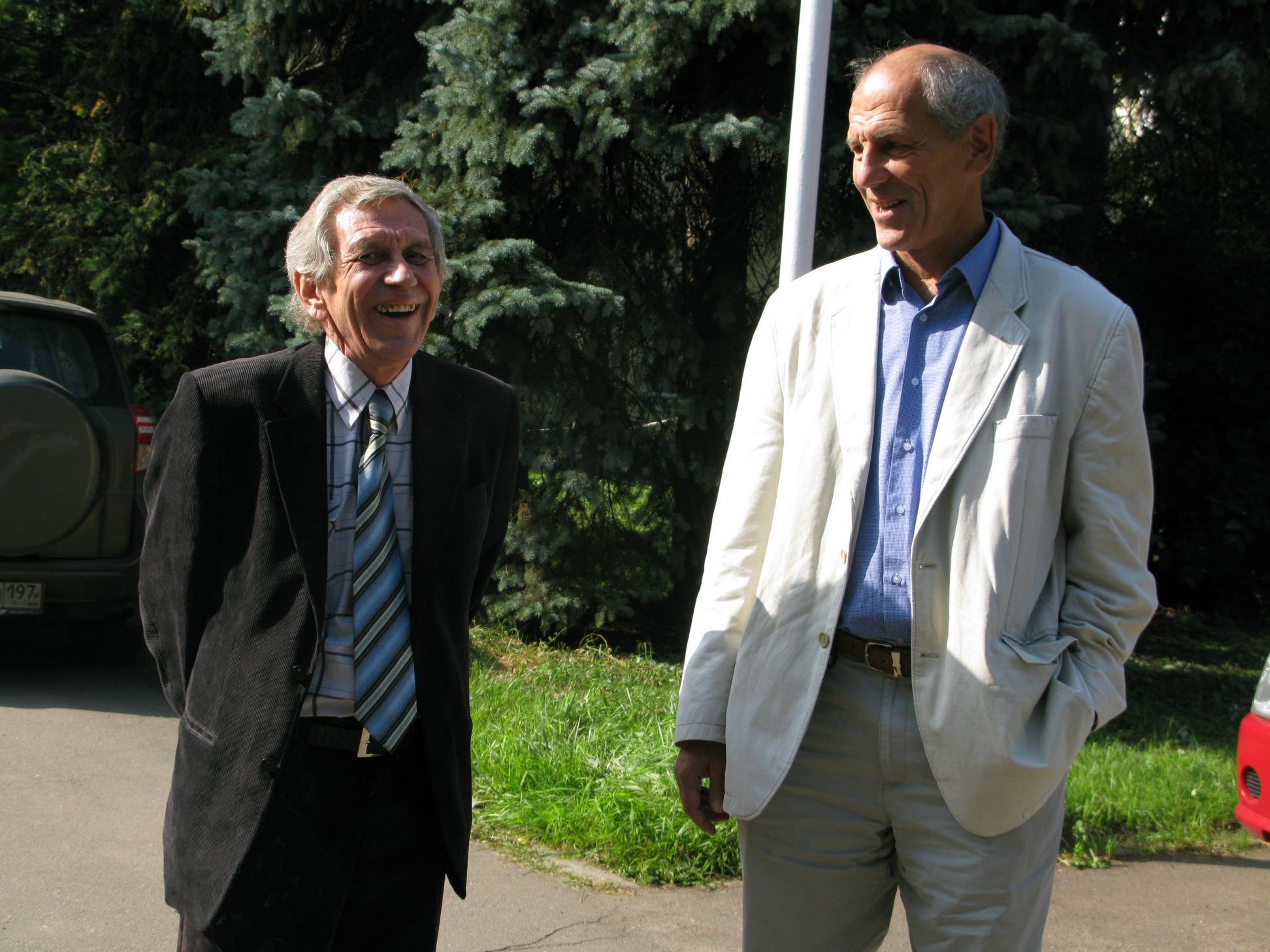 С Валерием Рубаковым в сентябре 2014 года на вручении премии им. Померанчука в ИТЭФ