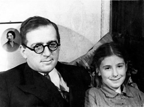 Григорий Александрович Гуковский с дочерью Наташей