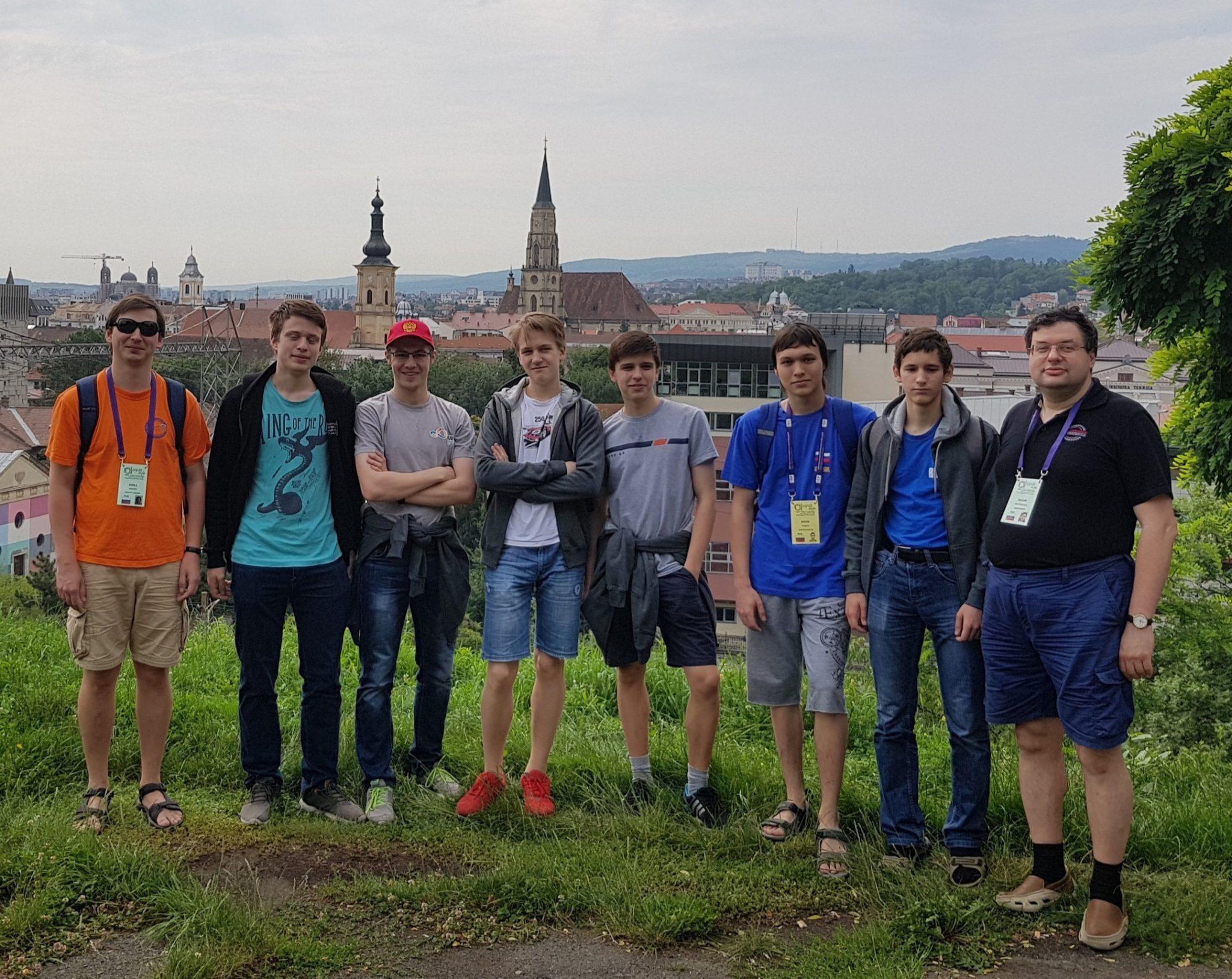 Российские школьники на IMO-59. Фото Н. Ягодкиной