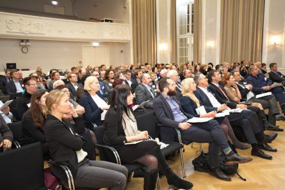 На конференции