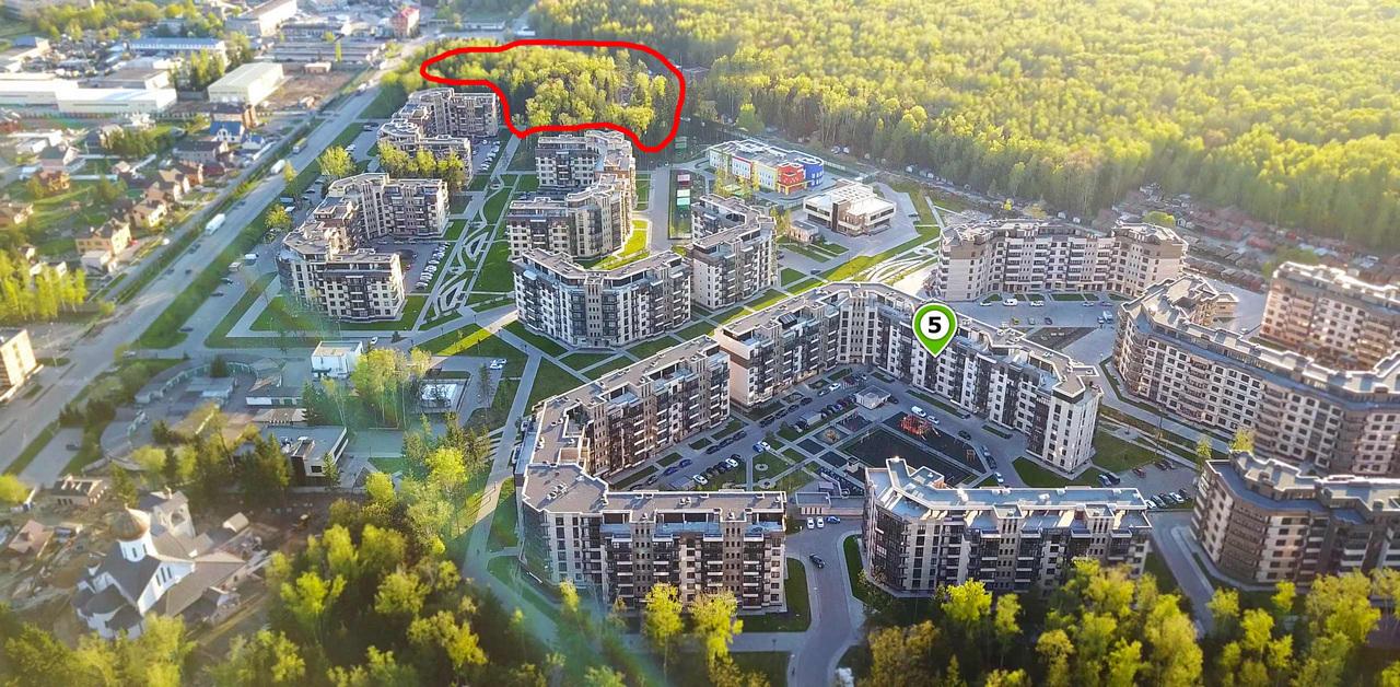 Троицк. Микрорайон «Солнечный». Неплохо, не правда ли? На участке вверху, обведенном красной линией, планируется построить два «домика», примерно таких же, как обозначенные на изображении цифрой пять. Только еще на этаж повыше. Фото gksol.ru