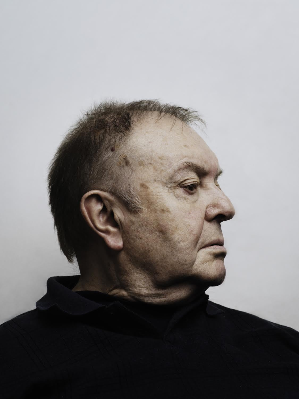 Фотография В.А. Успенского, сделанная когда-то для журнала «Афиша», ему самому очень нравилась
